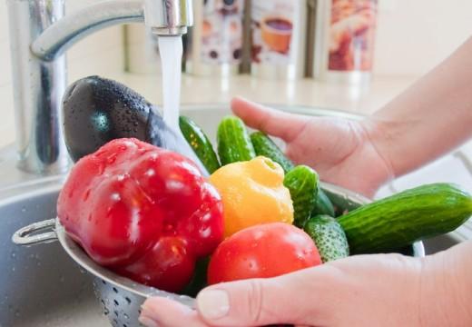 Comment éliminer les résidus des pesticides